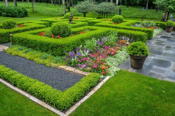 Reasons Behind Popularity Of Landscape Company?